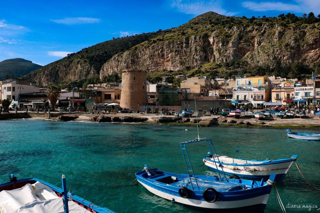 Hafen von Mondello