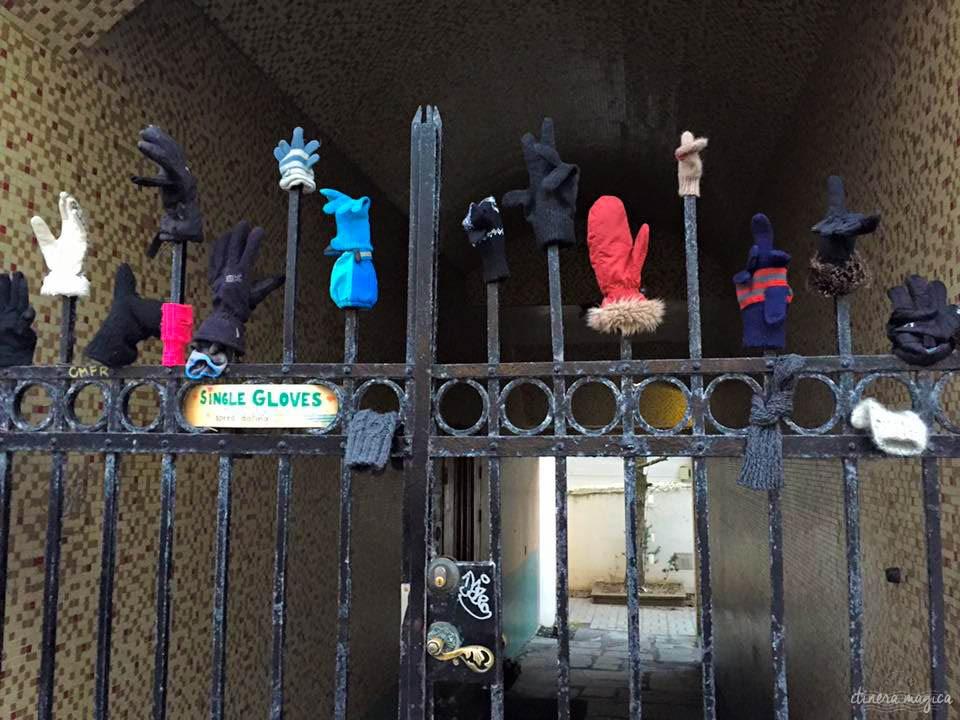 Mais aujourd'hui, l'Islande a pitié des touristes égarés dans les mois d'hiver, comme en témoigne cette collection de gants dépareillés qui attendent de retrouver l'âme soeur, à Reykjavik.