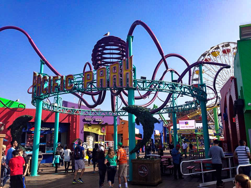 Le parc d'attraction, sur la jetée de Santa Monica.