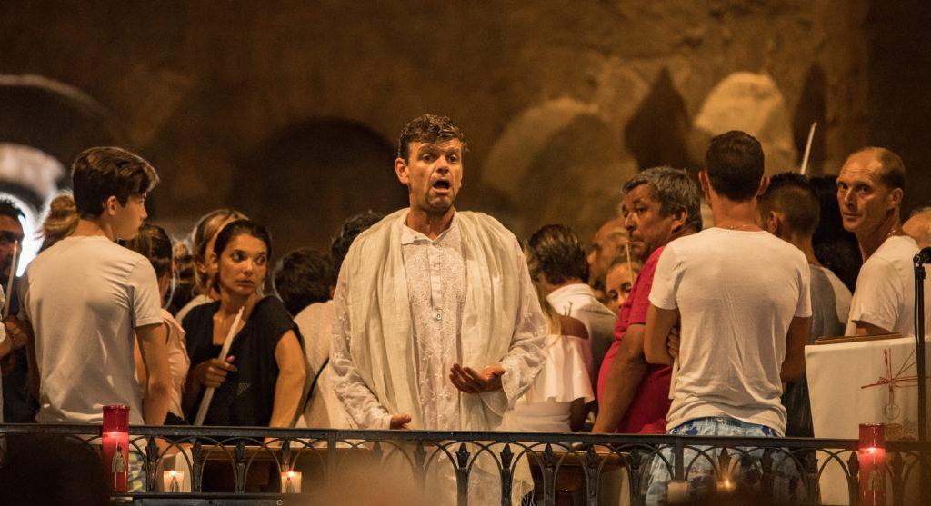 Pèlerinages des Gitans et des provençaux aux Saintes Maries de la Mer