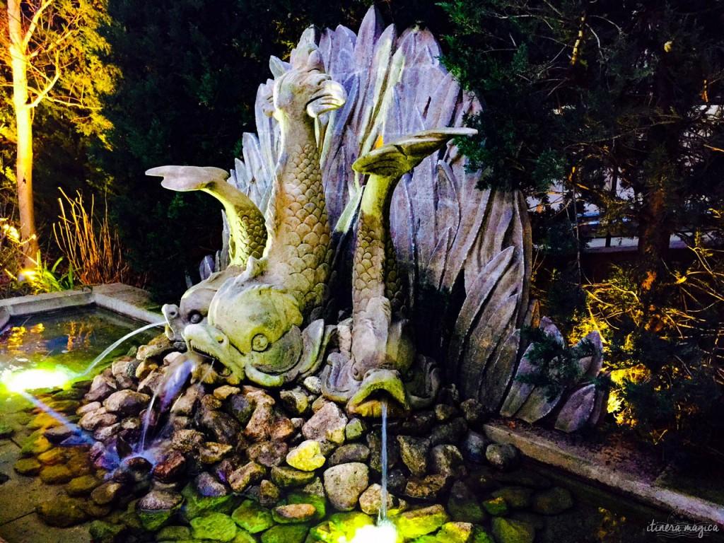 Brunnen in den eleganten Gärten des Hôtel Caumonts. aix-en-provence