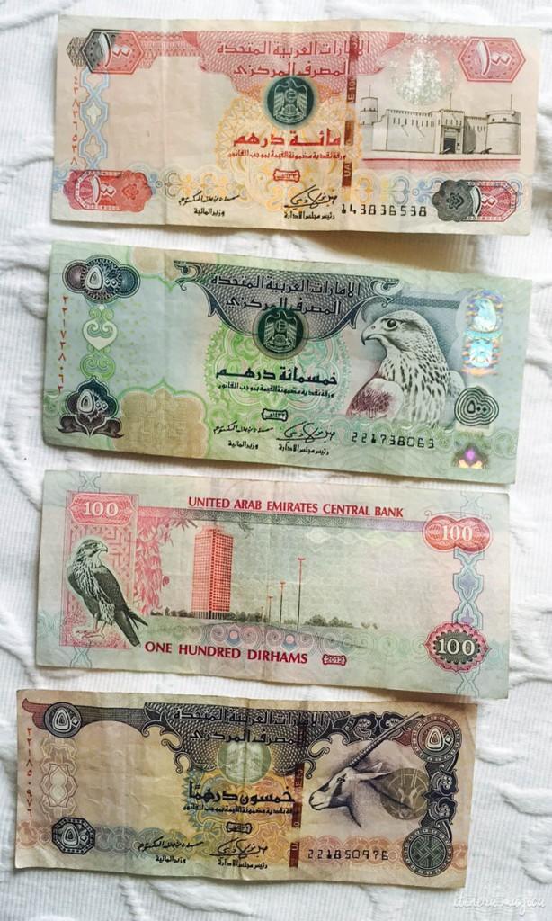 Billets d'Abu Dhabi, avec le faucon et l'oryx.