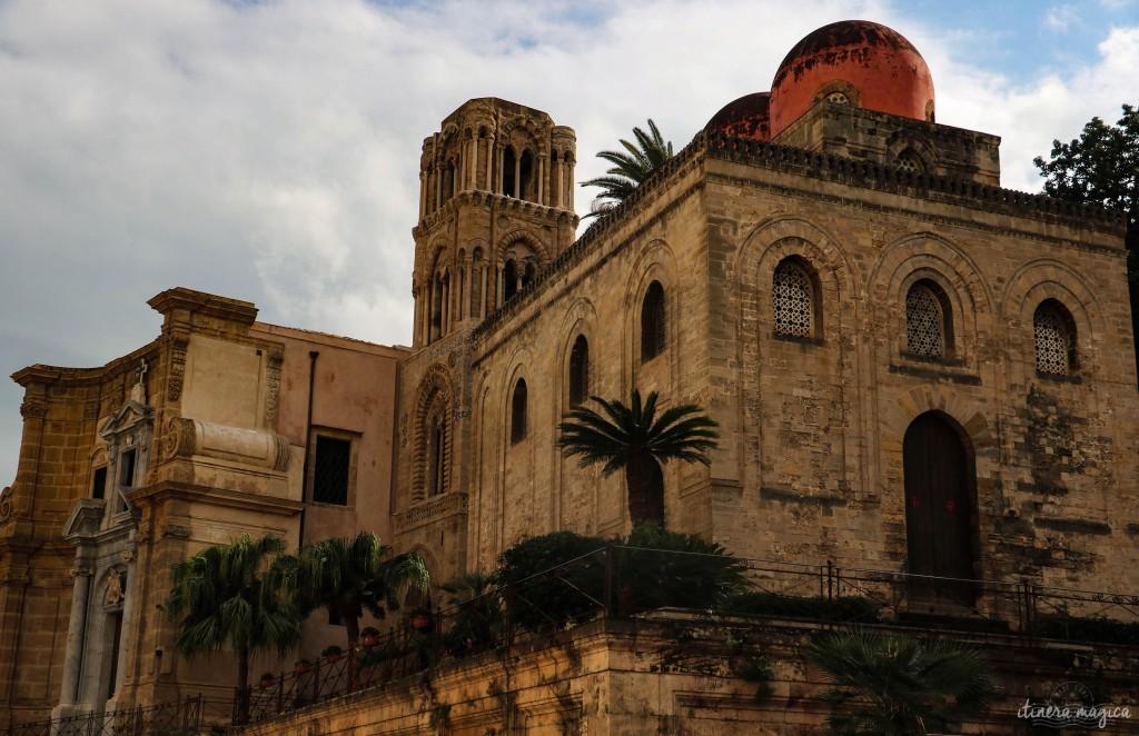 San Cataldo mit den Halbkugeln und hinten, die Martorana Kirche