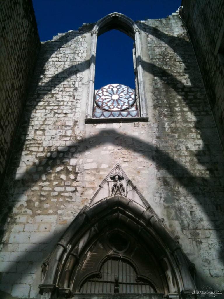 Ruines de l'église des Carmes.