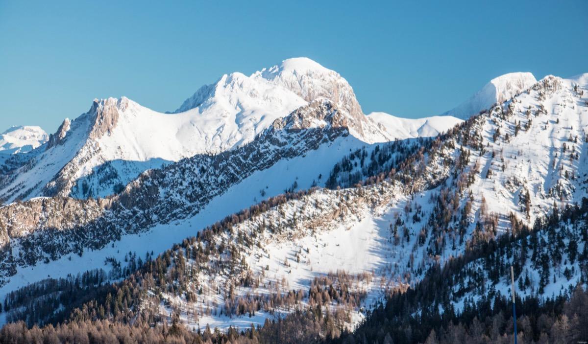 Une station de ski familiale et solidaire dans les Alpes du sud : Saint Jean Montclar, autogérée par ses habitants