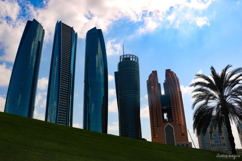 La skyline et le palmier.