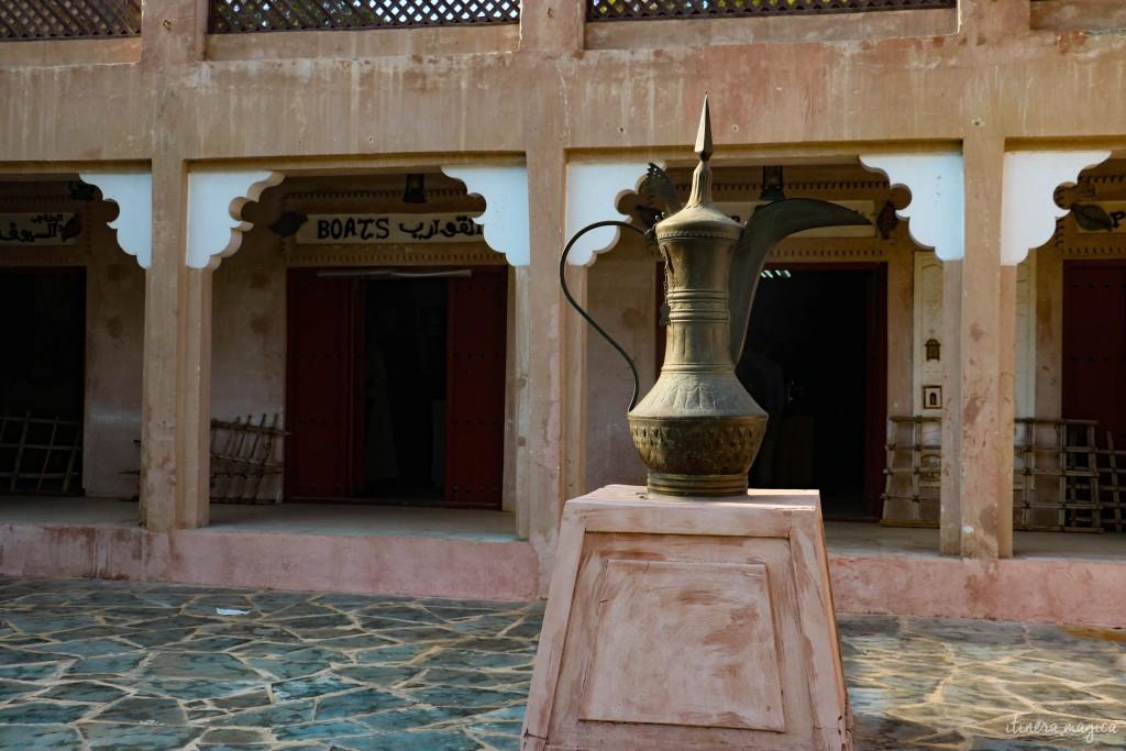 La lampe à huile, qu'on retrouve sur les pièces de monnaie (dirhams).