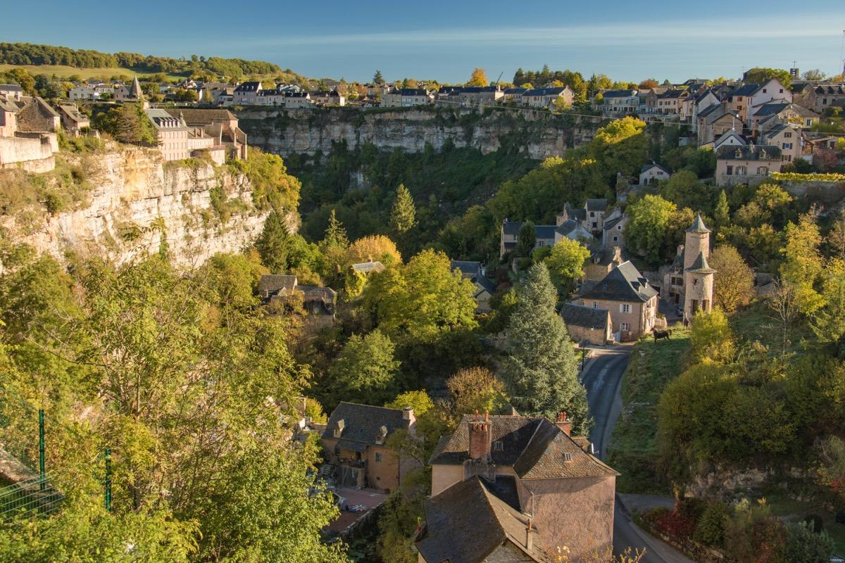 Que voir dans le Nord Aveyron ? Les plus beaux villages d'Aveyron, Conques, le canyon de Bozouls, Salles la Source, Espalion... Voyage en Aveyron.