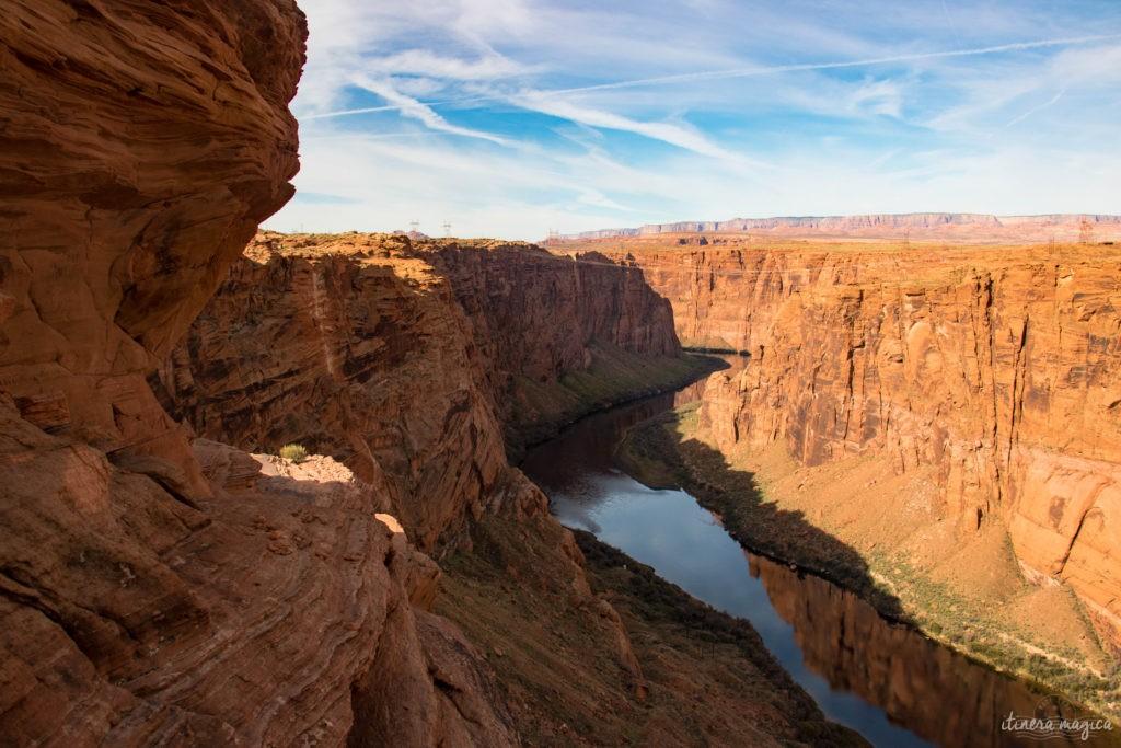 Horseshoe Bend, le plus beau méandre du Colorado, et les rives du Lac Powell regorgent de merveilles géologiques. Le road trip continue à Page, Arizona. Itinera Magica