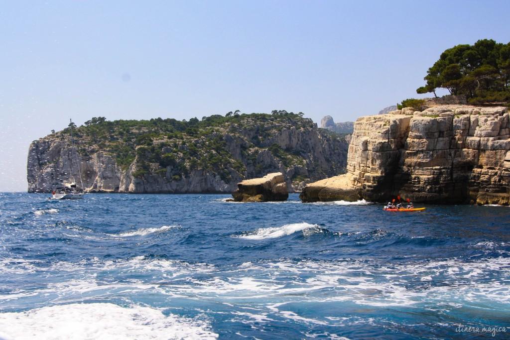 Kayaking to En-Vau.