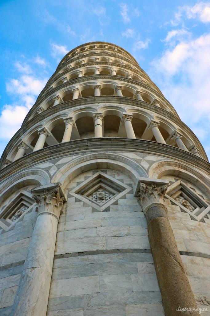 La tour posée sur les sols limoneux.