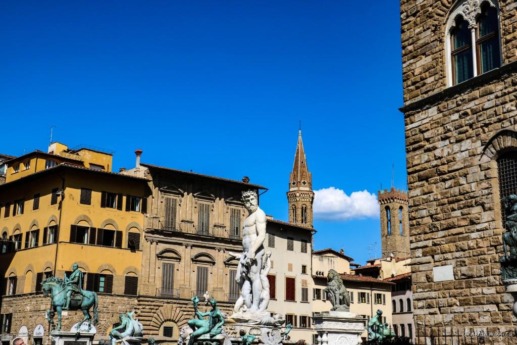 La plus célèbre place de Florence, Piazza della Signoria.
