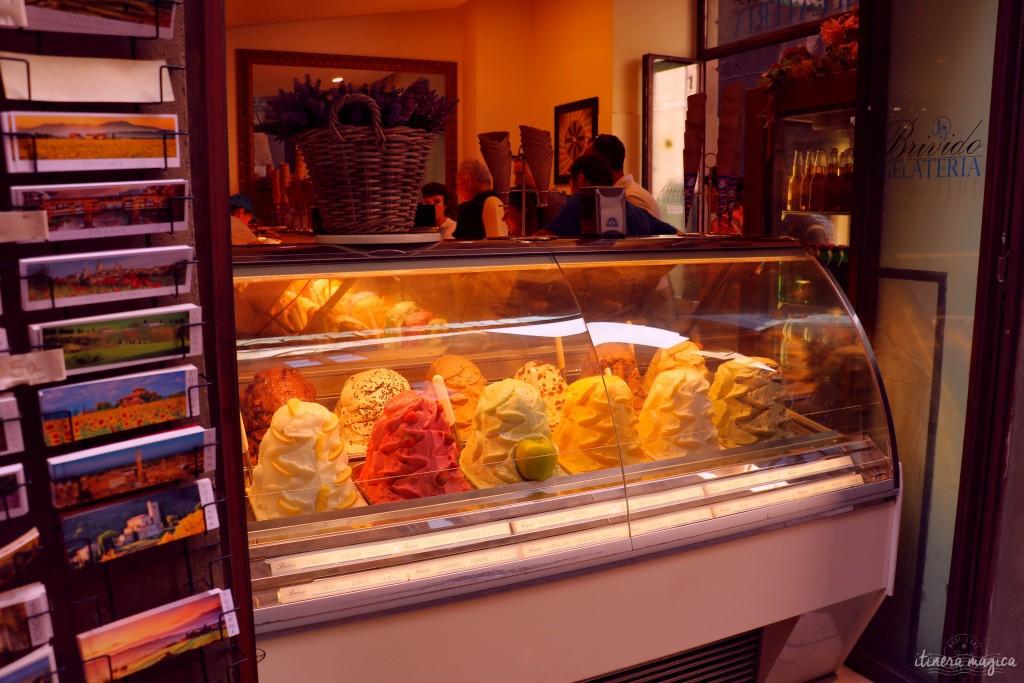 Gelati, glaces italiennes, dans les rues de Sienne. Un ami italien me dit que ce ne sont pas les vraies, que ces montagnes sont des attrape-touristes. Allez savoir.