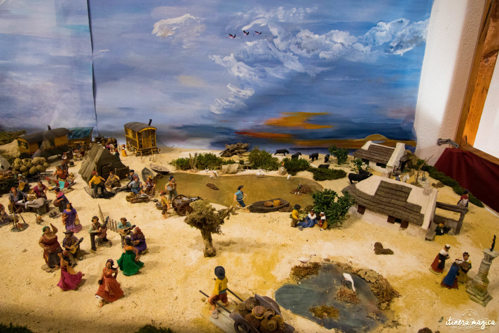 Crèche provençale Saintes Maries de la Mer. Noël en Camargue, que faire en Camargue en hiver, Saintes Maries de la Mer, chevaux de Camargue en hiver, santons de Provence