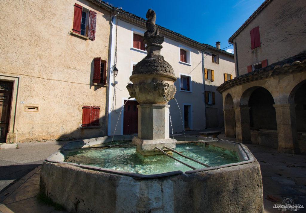 Au pied du mont Ventoux, au coeur des Baronnies, la vallée du Toulourenc et ses gorges sont un des plus beaux sites de la haute Provence. Promenade.