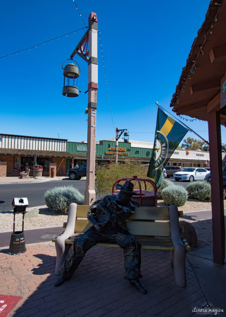 L'Apache Trail ? Une piste aussi mythique que la route 66, qui serpente dans le désert d'Arizona, et charrie toute la légende de l'Ouest ! Partez pour un road trip au pays des cactus, avec Itinera Magica.