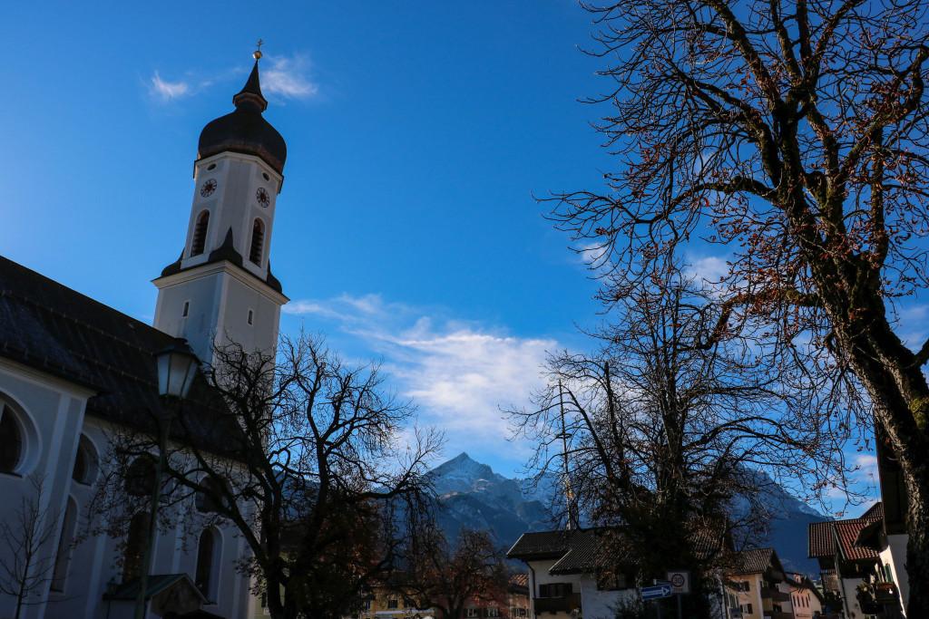 Garmisch-Partenkirchen, village de carte postale et ciels si bleus. Les plus beaux endroits de Bavière sur Itinera Magica