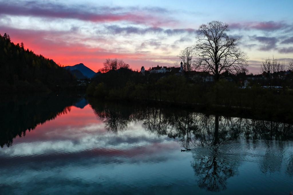 Coucher de soleil à Füssen. Les plus beaux endroits de Bavière sur Itinera Magica