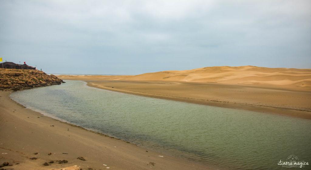 Au coeur du grand sud marocain, Tan-Tan est la porte du Sahara. Entre dunes de sable et océan, les peuples du désert se réunissent chaque mois de mai. Tourbillon de couleurs sur Itinera Magica.