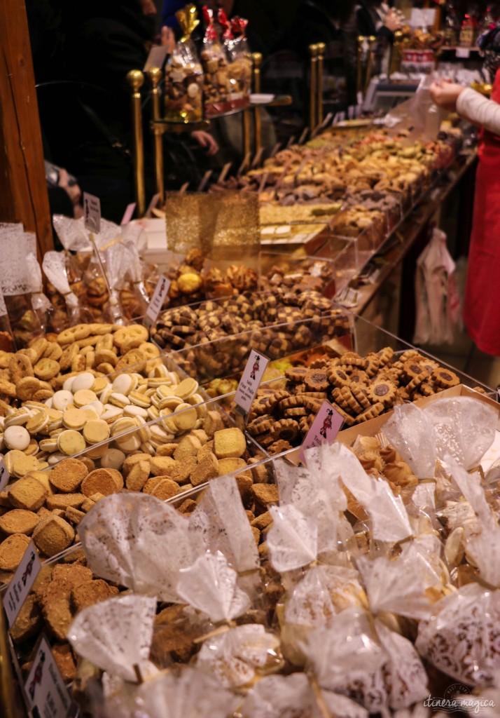 Weihnachtskekse am Markt in Colmar.