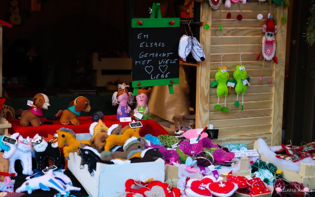 Schildchen am Weihnachtsmarkt.