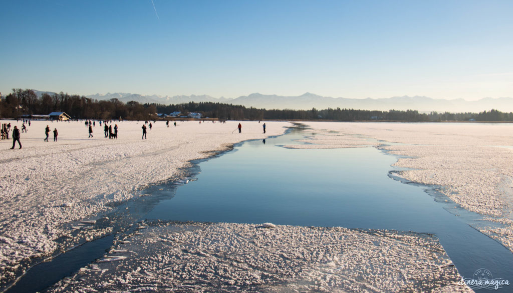 Des activités et expériences insolites autour de Munich et ailleurs en Bavière ? Tyrolière dans les Alpes, surf urbain à Munich, patinage sur lac gelé, Krampus, thermes d'Erding...