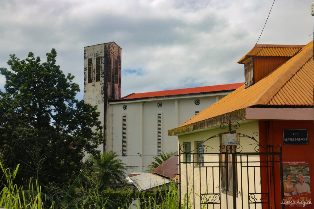 Village au sud de la Basse-Terre.
