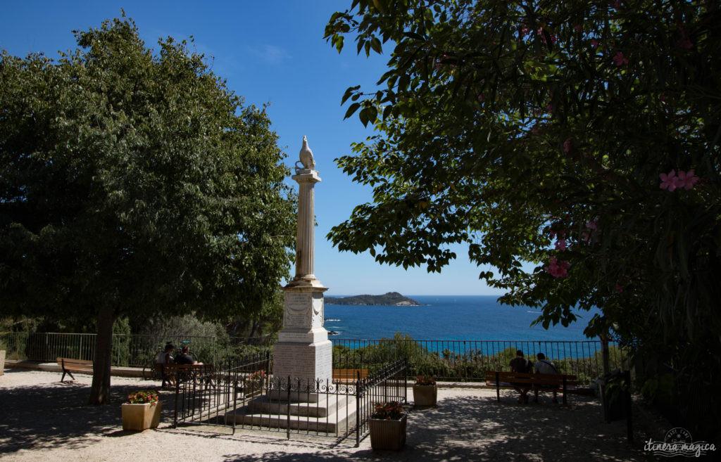 Venez découvrir la presqu'île de Giens : ses plages de rêve et ses calanques secrètes, ses marais salants, ses panoramas inoubliables, ses sports nautiques... le meilleur de la Côte d'Azur !