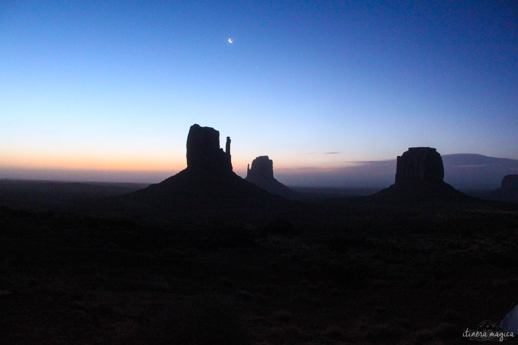 Lever du jour à Monument Valley.