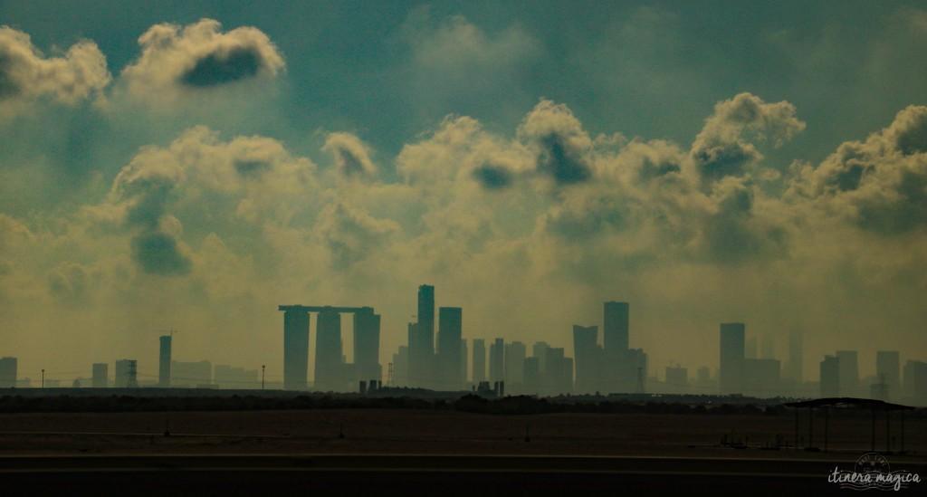 Abu Dhabi vue du désert.