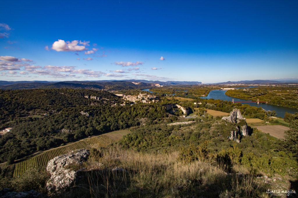 Connaissez-vous le défilé de Donzère, en Drôme provençale? Voici le pont du Robinet, les falaises du Rhône, et ma maison hantée. Histoires de fantômes.