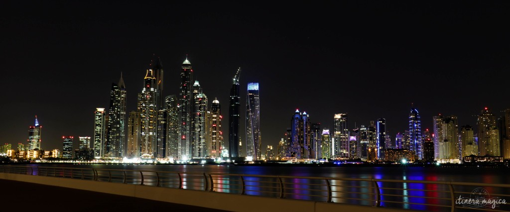 Skyline de Dubai nocturne