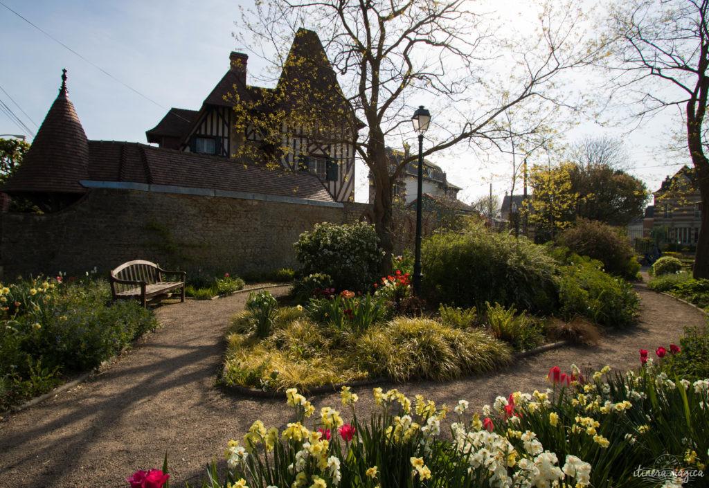 De cabourg honfleur la c te fleurie un monde enchant - Magnifique maison renovee eclectique coloree sydney ...