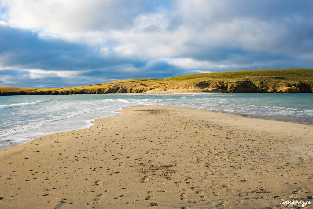 tombolo saint ninian's isle shetland