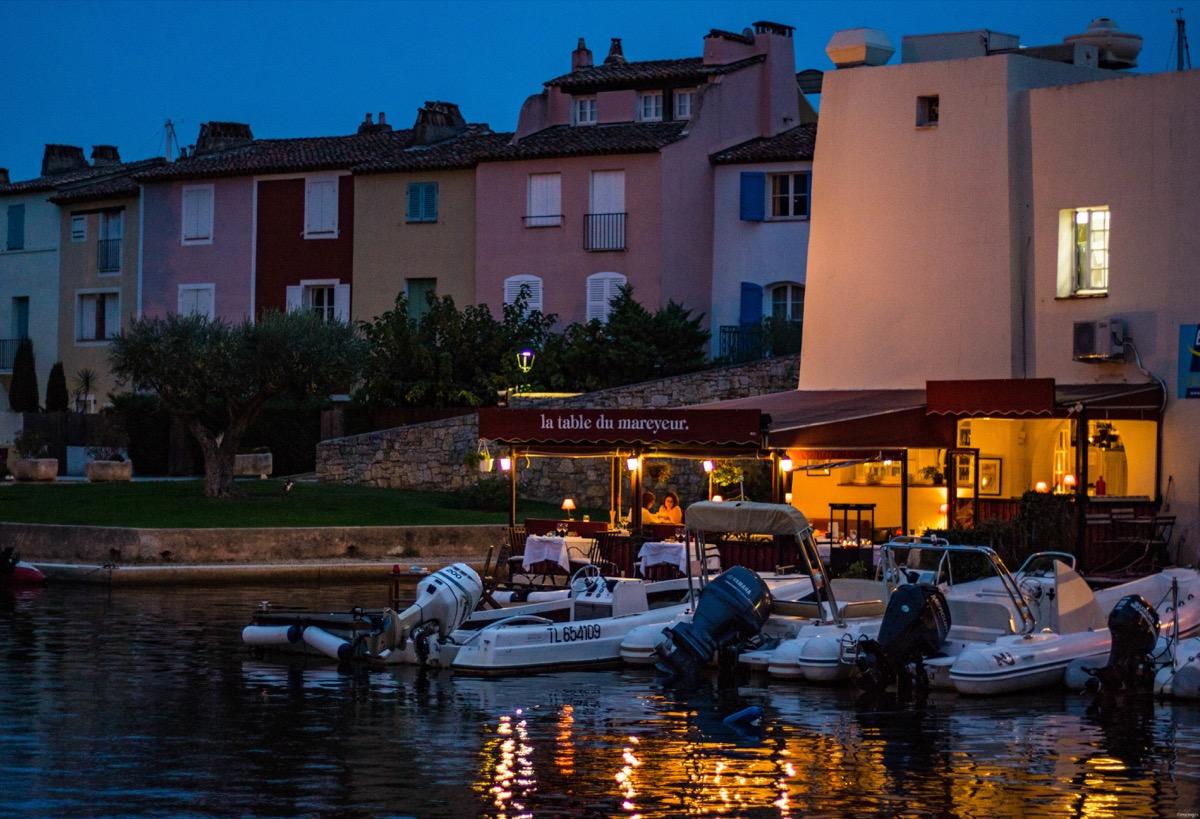 Id es vari es pour d couvrir le golfe saint tropez - Restaurant la table du mareyeur port grimaud ...