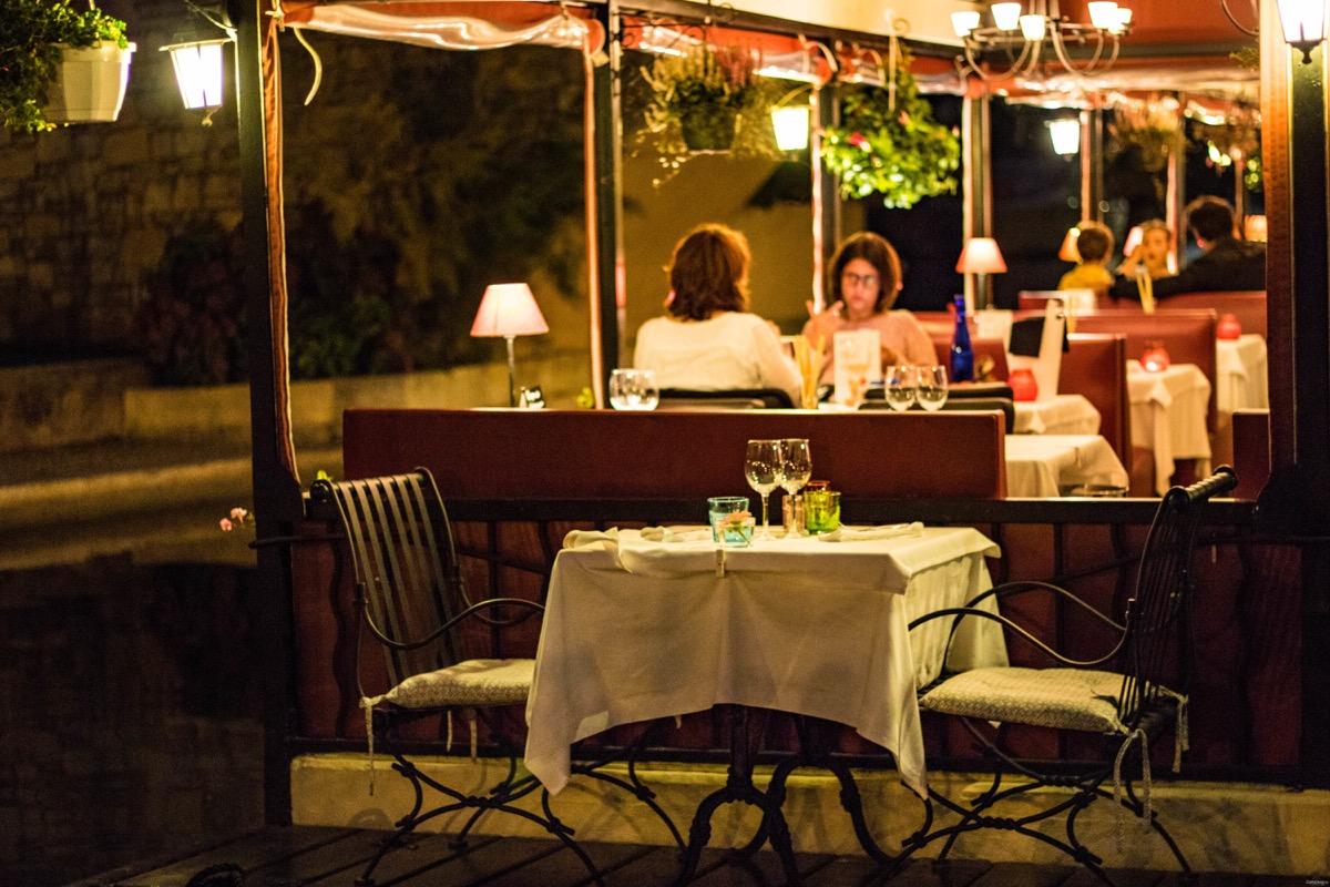 meilleur resto port grimaud table du mareyeur resto romantique golfe saint tropez