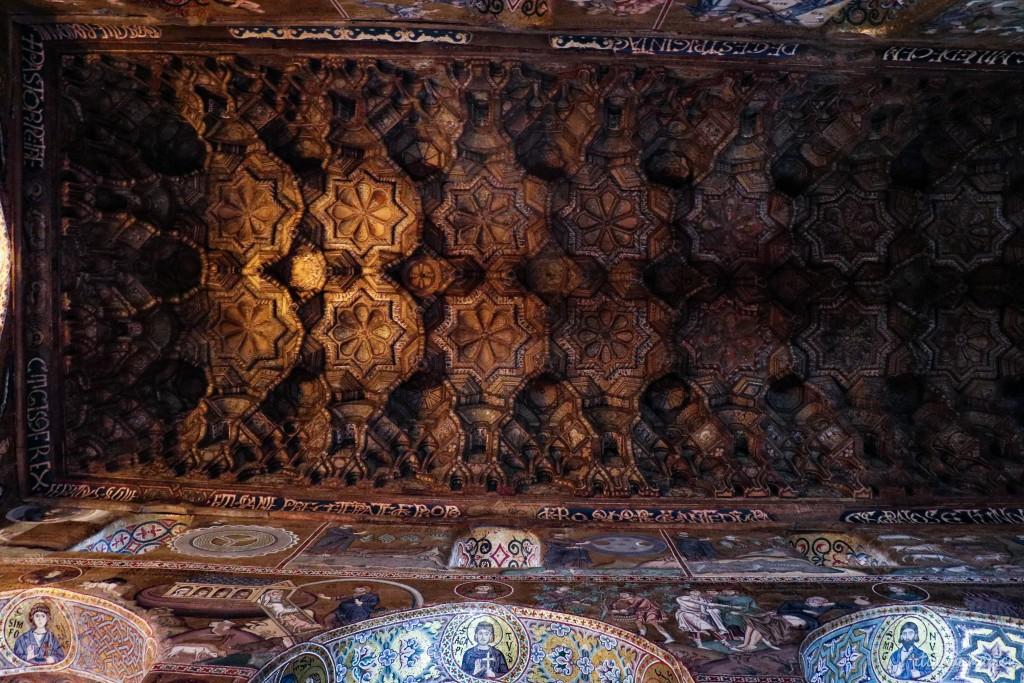 Die arabischen Muqarna am Gewölbe der Capella Palatina.