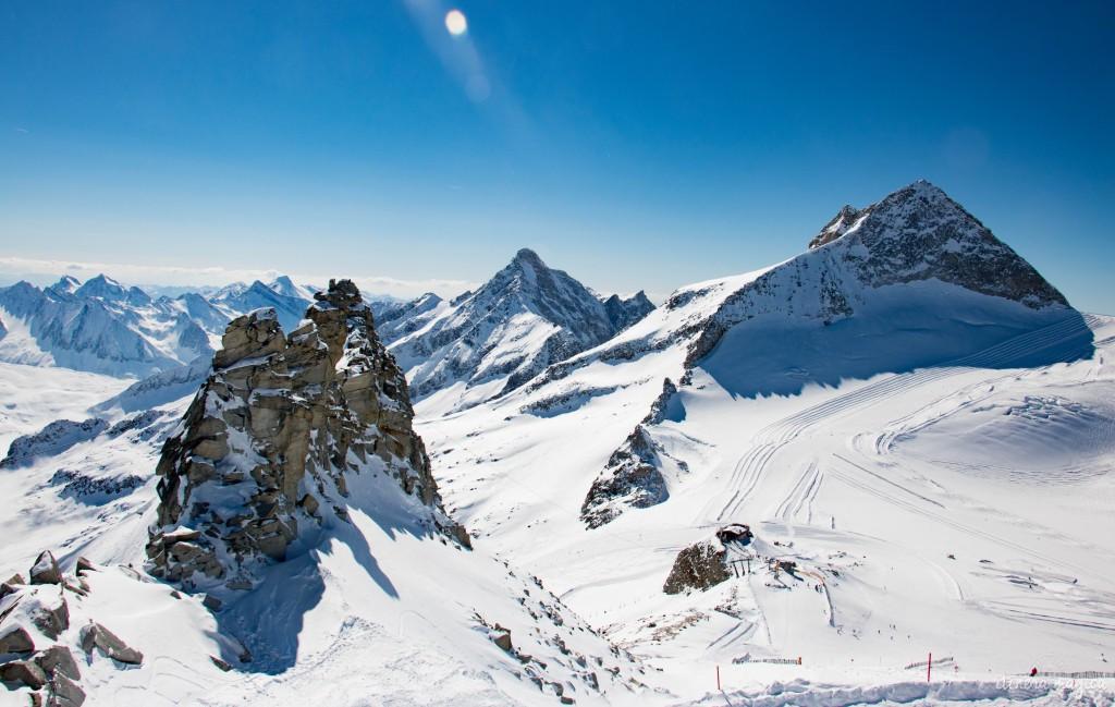 Au sommet du glacier d'Hintertux, le plus haut domaine skiable autrichien.