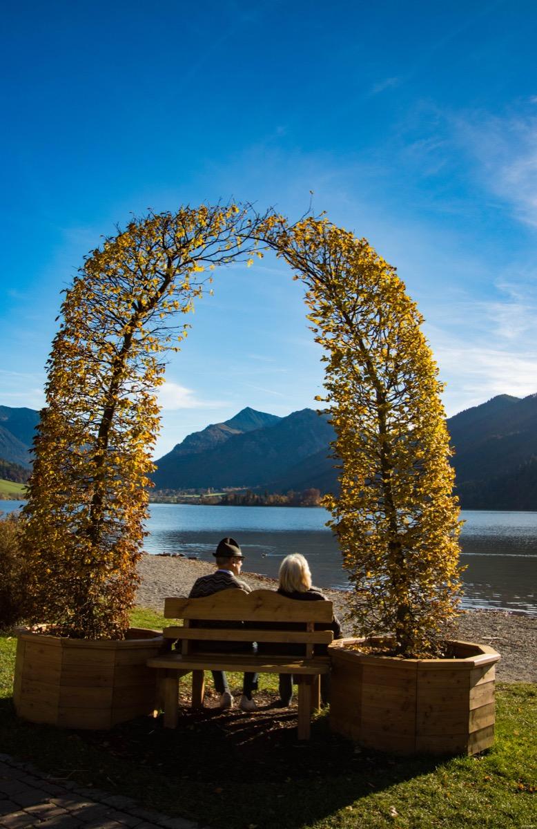 Les couleurs de l'automne autour du monde : où voir les plus belles feuilles d'automne ? 20 blogueurs de voyage partagent leurs destinations automnales.