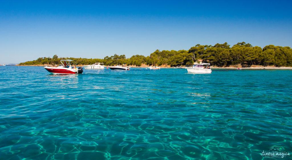 Les plus belles excursions en bateau depuis Hyères : découvrez Port-Cros ou Porquerolles, partez observer les dauphins, dénichez des plages secrètes, savourez la Côte d'Azur