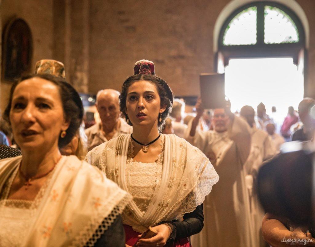 Grands pèlerinages des gitans et des provençaux aux Saintes Maries de la Mer, Camargue