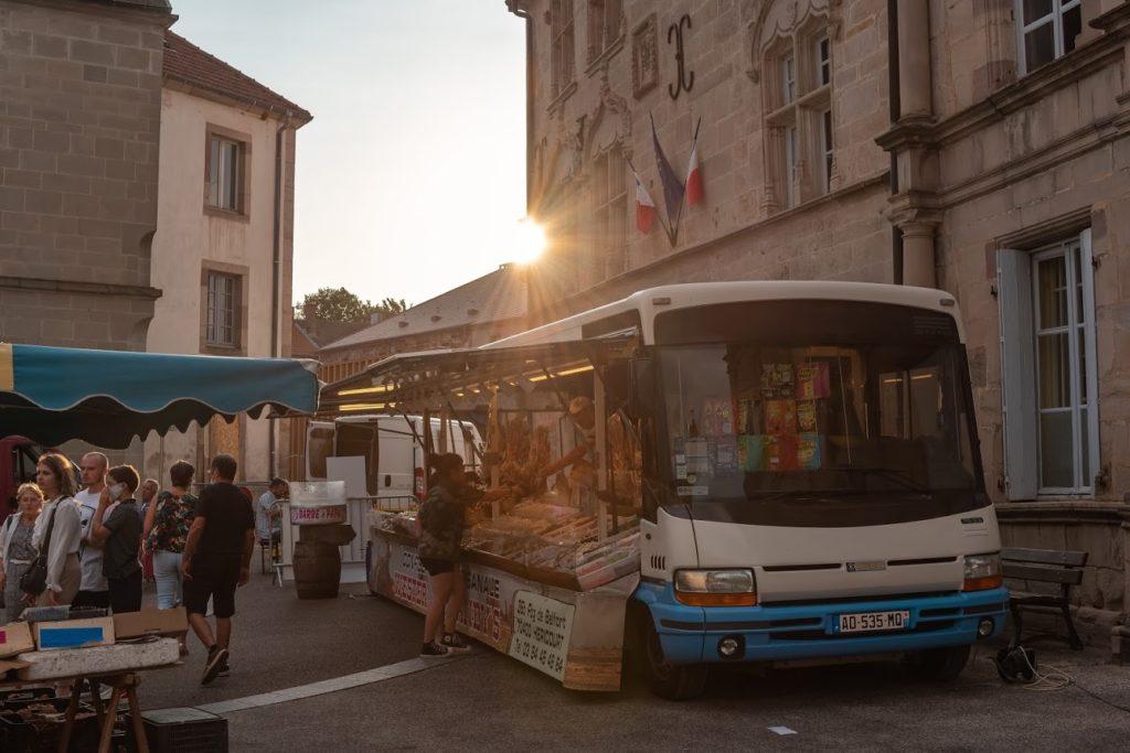 marché nocturne luxeuil les bains vosges du sud