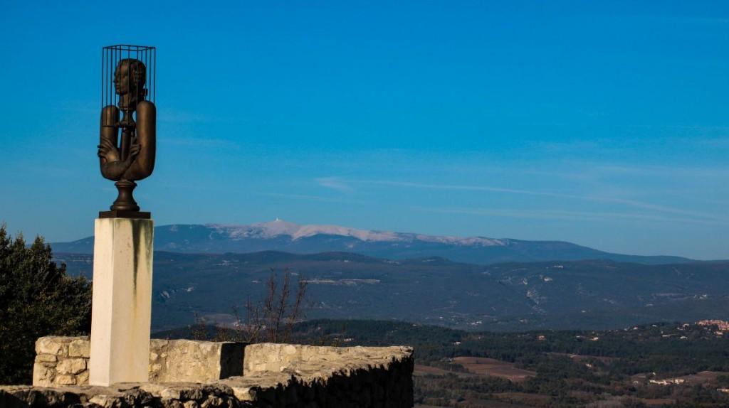 Gefangener Sade, und im Hintergrund, der Mont Ventoux.