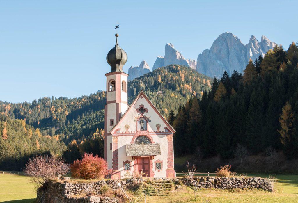 Un beau livre sur les Alpes à offrir : les Alpes, on les aime pour, par Ariane Fornia