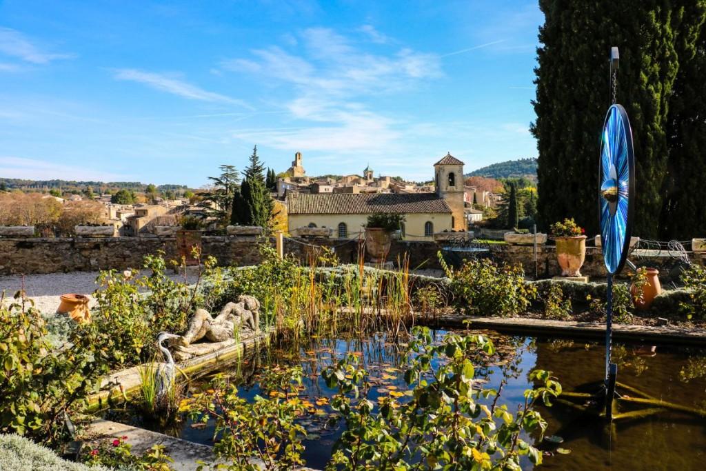 In den Gärten des Schlosses von Lourmarin.