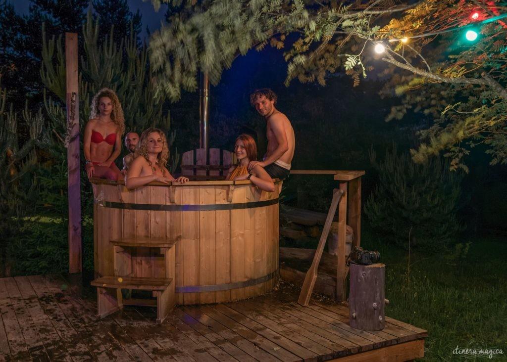 Vivre un moment magique avec le bain nordique des Fustes du Mézenc, merveilleux gîte insolite.
