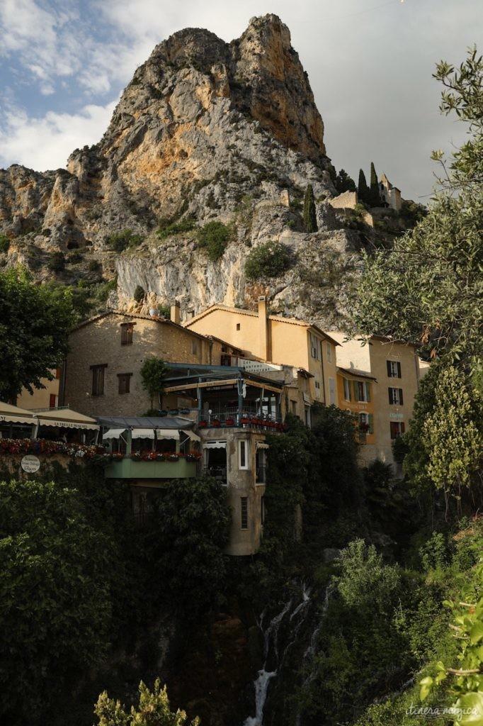Visiter Moustiers-Sainte-Marie. Où dormir dans les gorges du Verdon ?