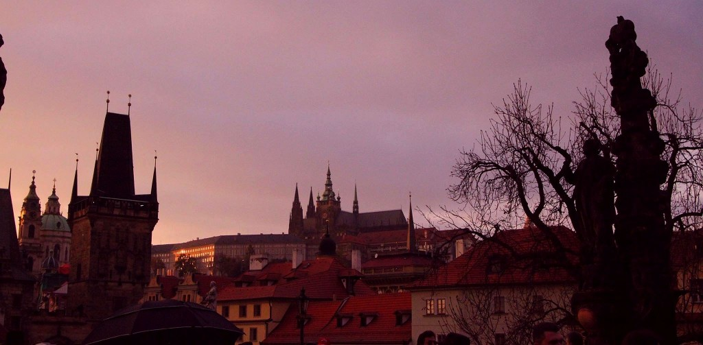 sunset prague karluv most charles bridge travel