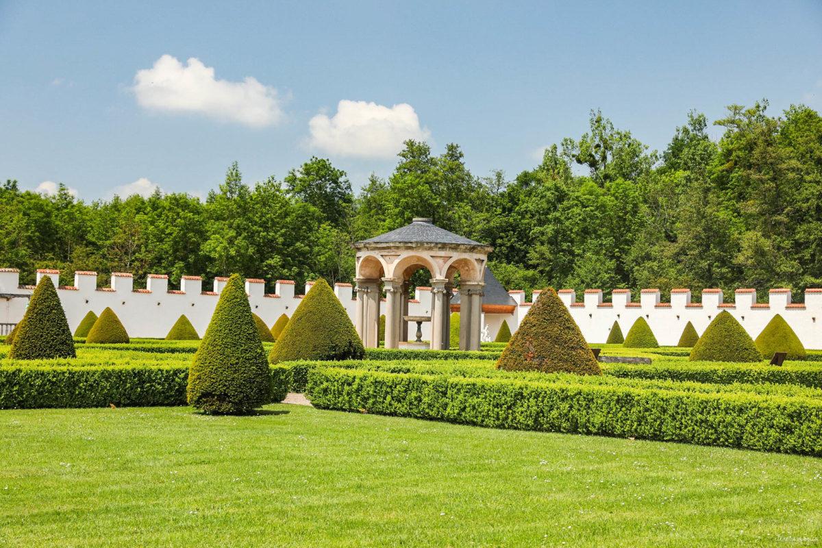 Que voir dans la Loire ? Châteaux des gorges de la Loire, randonnées en Forez, artisanat et spécialités de la Loire, villages de caractère.