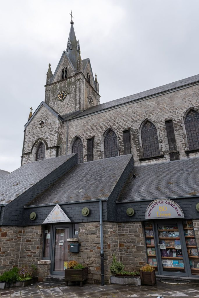 que faire en ardenne belge ? visiter redu village du livre